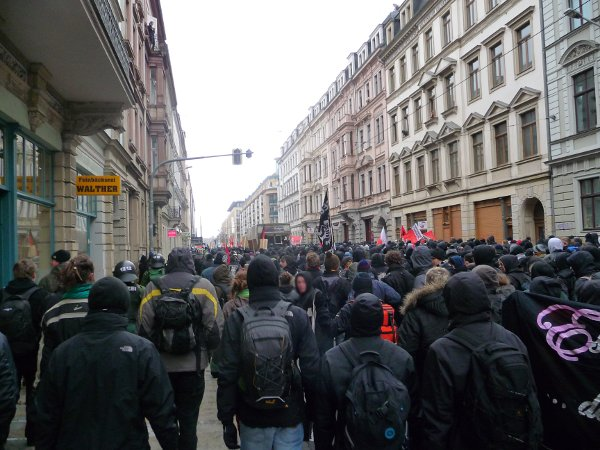 Demo auf Hoyerswerdaer Straße - Feinbäckerei Walther