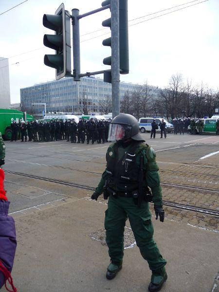 Pirnaischer Platz abgesperrt in Richtung Hauptbahnhof