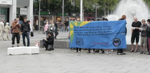 Spontane Kundgebung des AK Antifa Dresden auf der Prager Straße