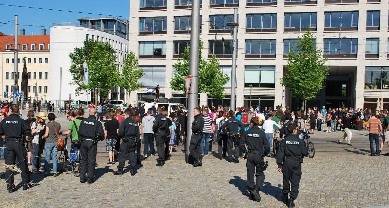 Kundgebung gegen den Naziaufmarsch am 17. Juni 2010 in Dresden