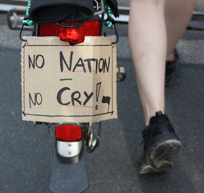 Impressionen von der Demo: No Nation No Cry